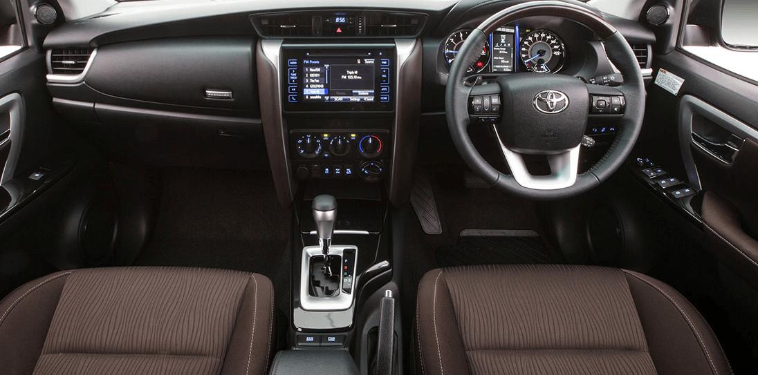 Rental Mobil Toyota New Fortuner - Intirior