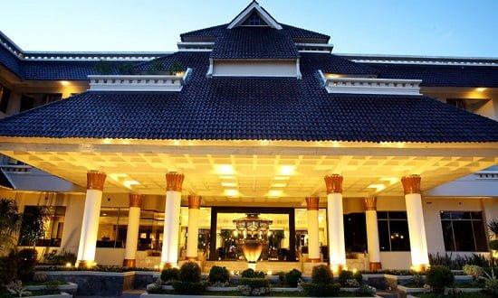 Rental Mobil di Hotel Santika Jogja