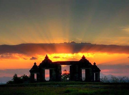 ratuboko temple